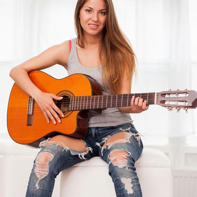 Les guitares folks